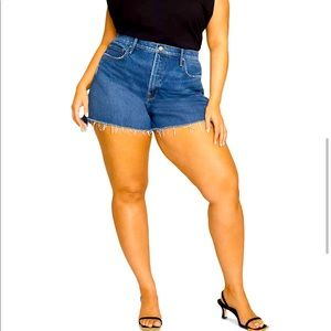 NEW Good American 90's Jean shorts sz 10